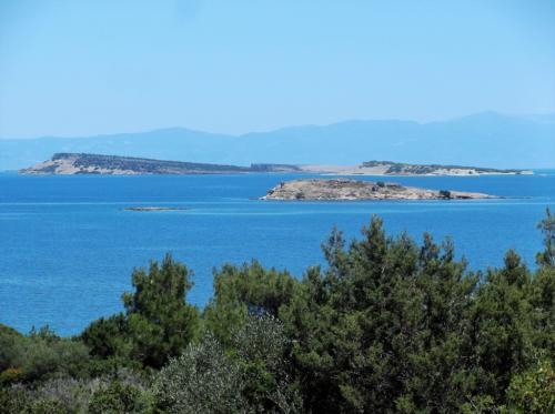 Tokmakia islands